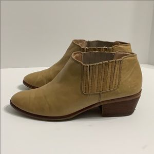Authentic Madewell leather booties boots Sz 9